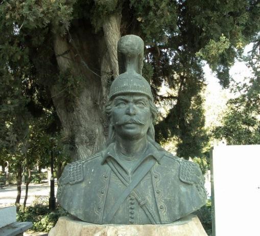 Κολοκοτρώνης, Γλύπτης : Παύλος Κουγιουμτζής