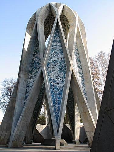 3808620-tomb_of_omar_khayyam-neyshabur.