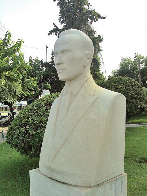 Tzanoulinos Praxitelis