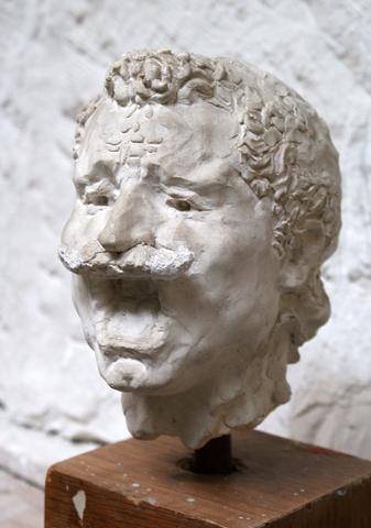 Ρ. Φεραίος, Γλύπτης : Δημήτρης Γιωτάκης